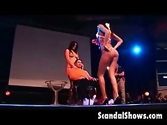 2 stunning strippers pleasing a guy