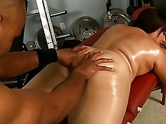 Fitness coach plays with one hot chubby cunt