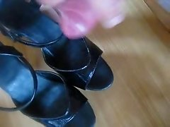 a cumtribute to my favorite heels