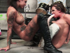 Lez Tory Lane having rough lesbian sex