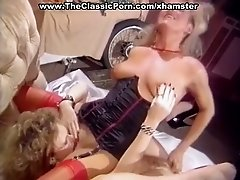 Lesbian facesitting and doggy fuck