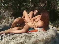 Maeva - une brune qui raffole du sexe