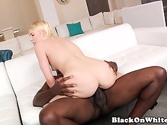 Highheeled model loves bbc drilling her