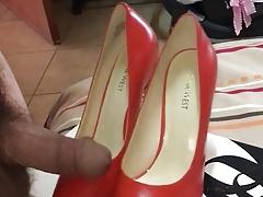 NW Orange Heels Play