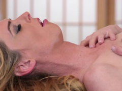 Thin MILF shemale enjoys sensual massage