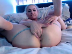 Carly Hot play with pussy orgasm fingers