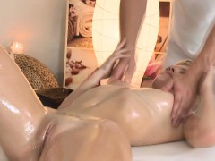 Massage beauty fingered before blowjob