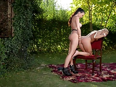 tra cy lin dsay & luc i li punishing the blonde