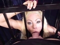 Big wet butt Luna Star likes sex anal