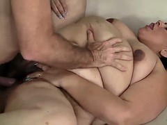 plumper mature latina gets her pussy pounded