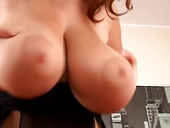 Sexy Huge titted woman please herself