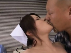 Yuki Mana nurse gets cum on face from men