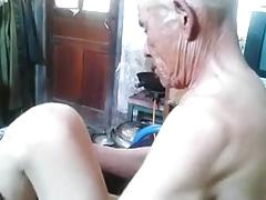 abuelo asia 83
