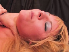 Spinner cutie Casey Cumz takes in a thick dick from Justice