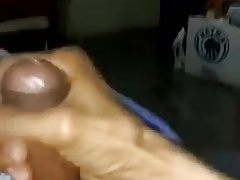 A guy send this cum video