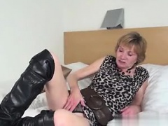 Found her on MILF-MEET.COM - Amateur granny with hungry old