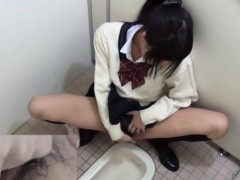Hairy japanese teen rubs