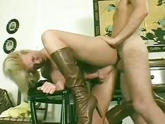 Curvy blonde housewife shemale cums while her ass is drilled