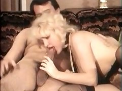 Superb Vintage Bombshell Makes Horny Guy Cum By Her Mouth