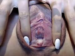 Rubbing pusy