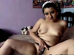 Horny Teen Masturbates on Webcam