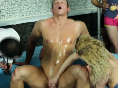 Cock riding bi dude sucked by hoe