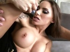 Sexy pornstar orgasm sex