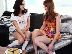 Ginger lez Shyla Jennings eats teen pussy