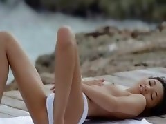 Asian angel undress by the ocean