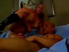 Ccok hungry Jamie Brooks rides a throber in her ass as she sucks deep another